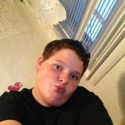 Hot emo babe blowjob