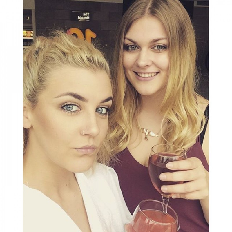 single lesbian women in plymouth Free online lesbian dating  connect then meet with other lesbian women for something as fun and meaningful as you want.
