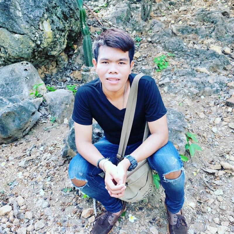 Bom Sawangchob - Nong Khae Central Thailand : GayXchange - Gay chat network