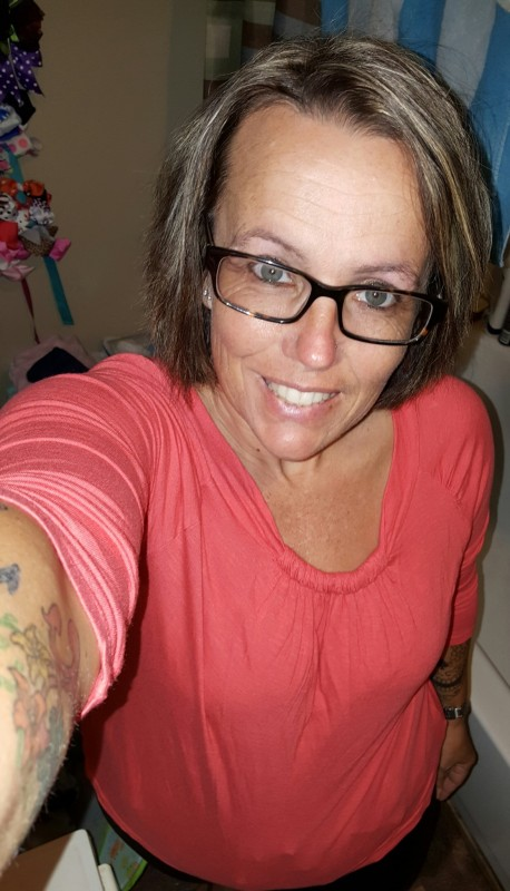 round lake lesbian personals Someone you can love is nearby browse profiles & photos of single women in  antioch, il join matchcom, the leader in online dating with more dates, more.