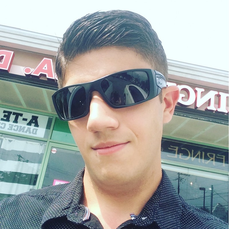 wantagh gay personals @us-richjmny-1997 is a 20 year old bisexual male from wantagh, new york, united states of america he is looking for friendship, relationship, chat, workout partner, travel partner, casual and other activities.