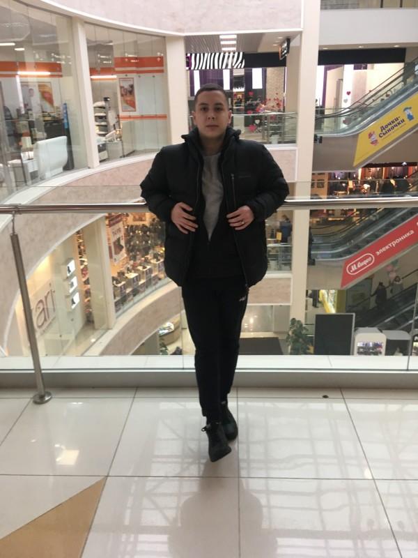 who is simone biles dating 2017